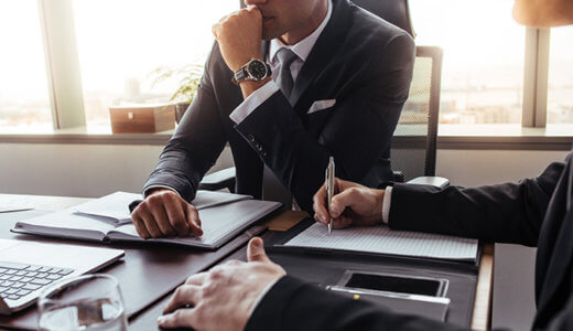 退職代行業者と法律事務所の違いは?徹底比較!